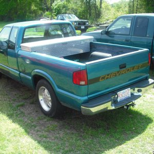 1995 s10 5         new rear bumper